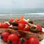 Bruschette al pomodoro e olive calabresi